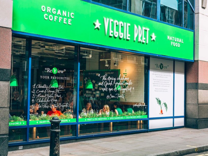 veggie-pret-outside